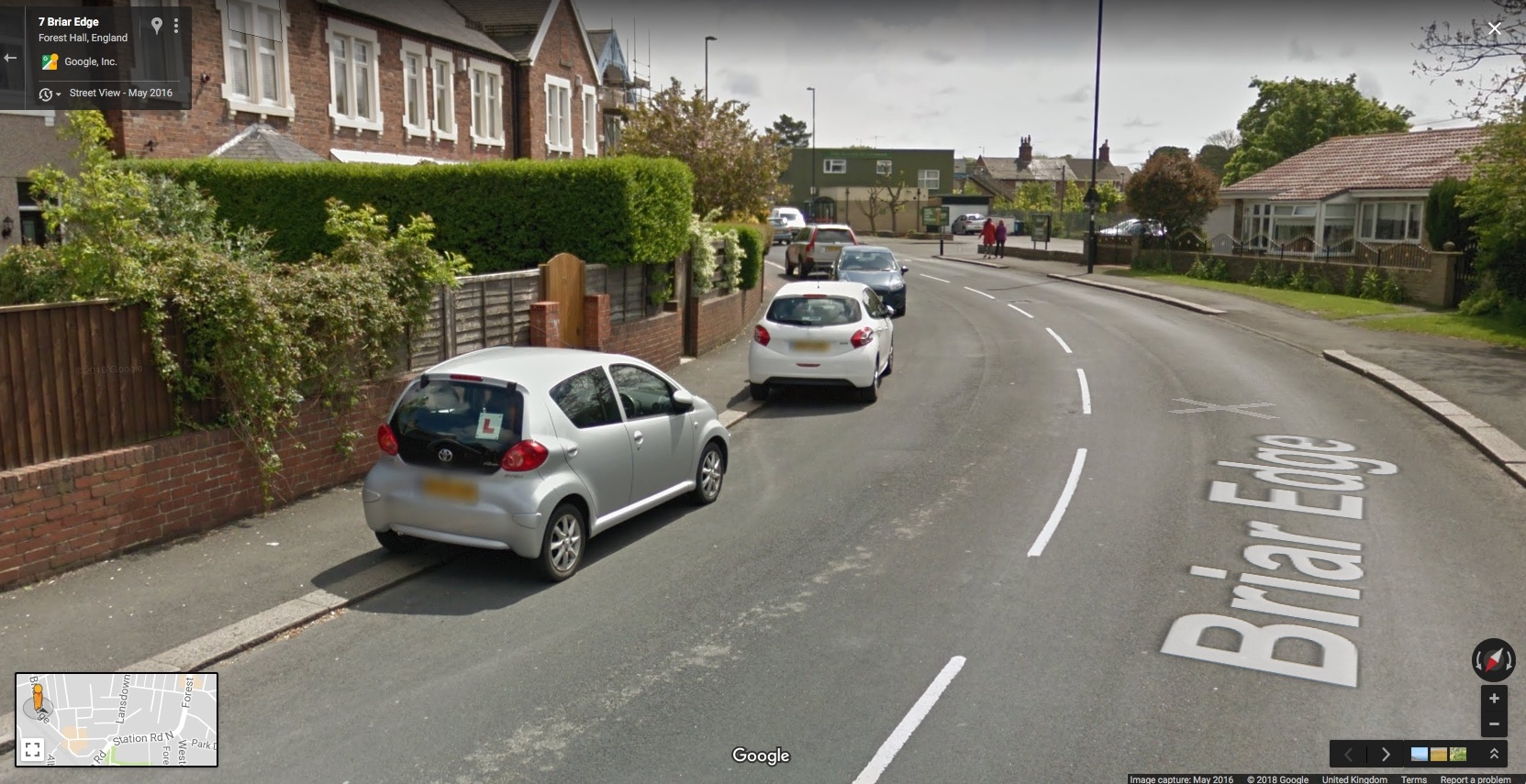 Picture showing pavement parking on Briar Edge